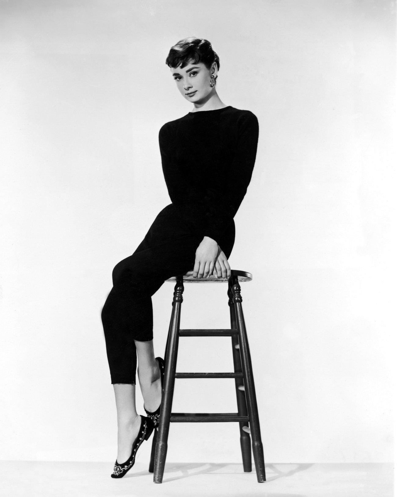 Pixie Cut Audrey Hepburn Sabrina-audrey-hepburn-