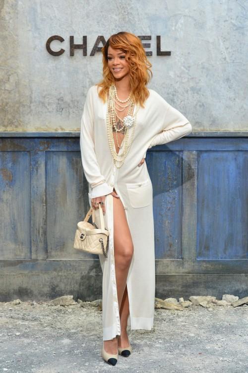 rihanna-chanel-haute-couture-fall-winter-2013-2014-runway-show-7-e1372770007856