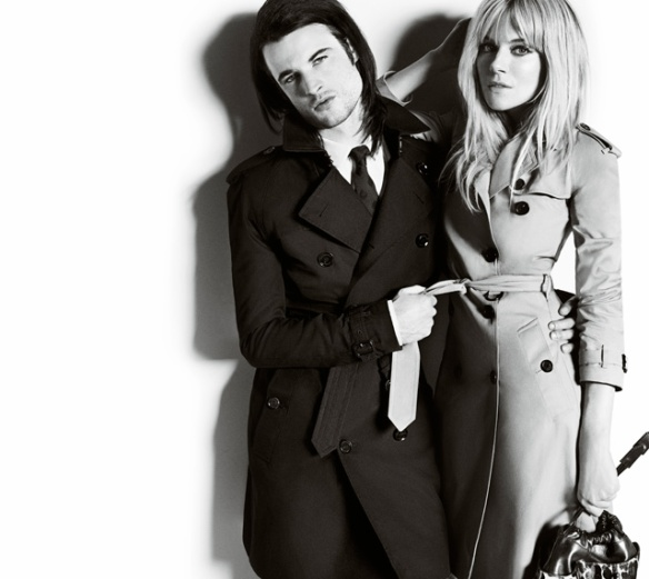 Sienna-Miller-and-Tom-Sturridge-featuring-in-the-Burberry-Autumn_Winter-2013-Campaign-de